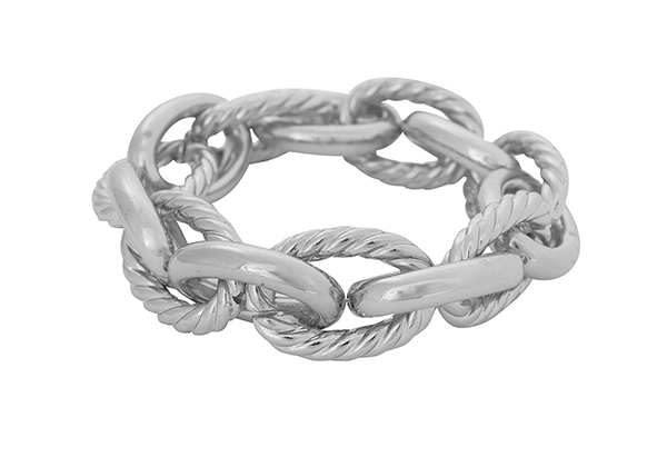 womens-oversized-chainlink-bracelet