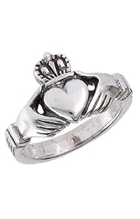 silver claddagh irish ring