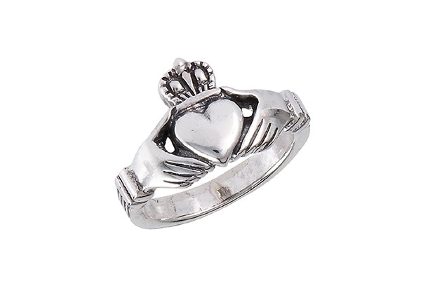 traditional-claddagh-celtic-ring